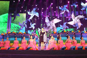 我院舞蹈团参加北京第三届大学生艺术展比赛并获第一名